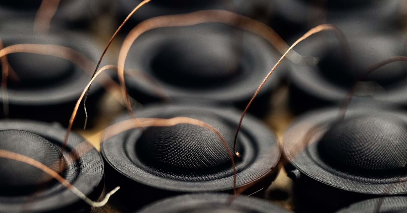 How to clean your soft dome tweeter on the loudspeaker - Dynaudio